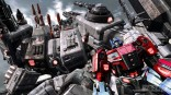 3616Transformers_FOC_-_Optimus_standing_in_Metroplex_hand