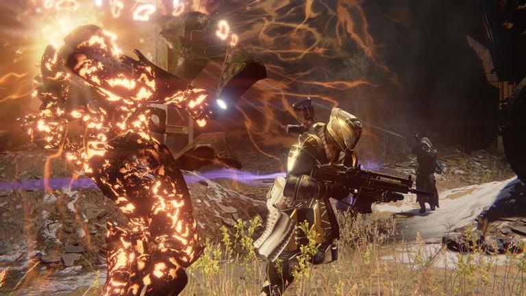 Hunter fighting the Hive alongside a Titan_1398704255