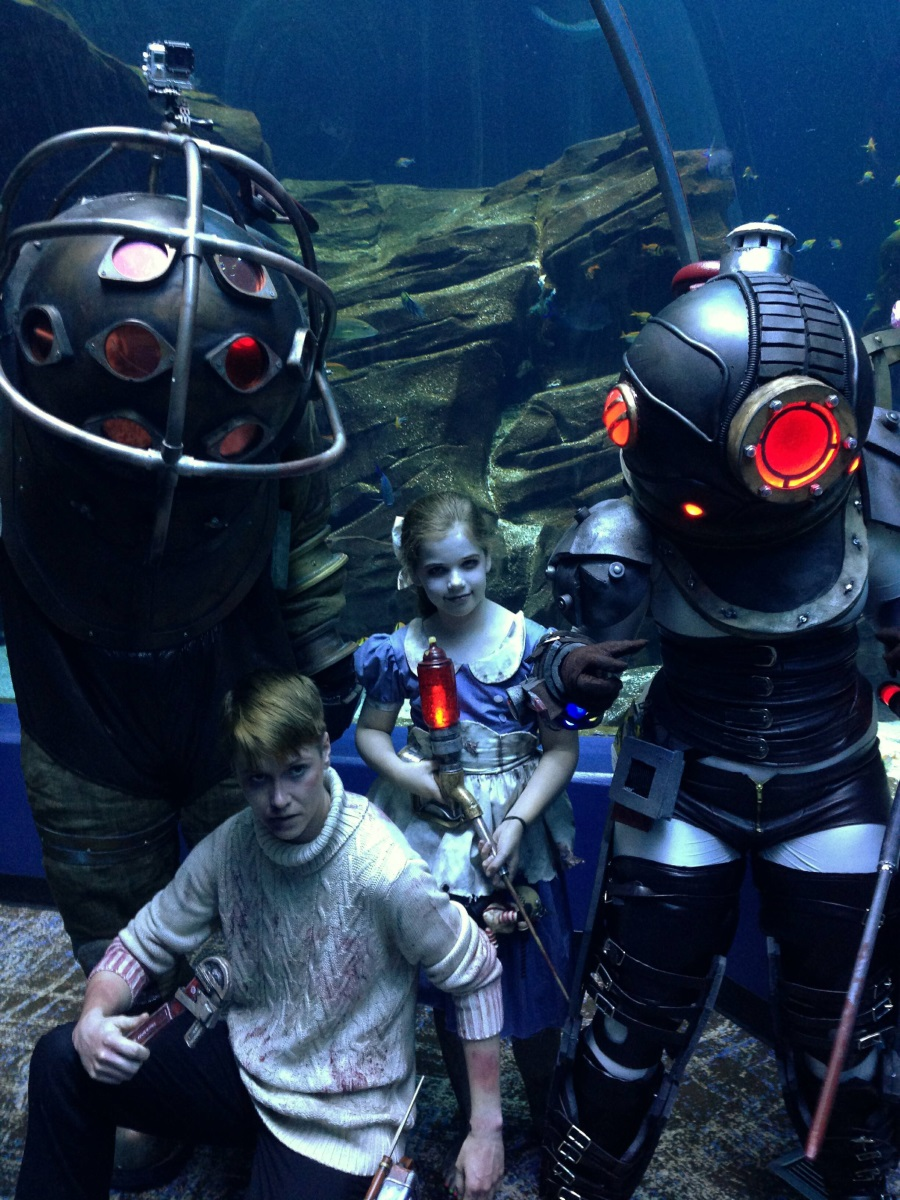 Bioshock Cosplay Is A Creepy Family Portrait Vg247