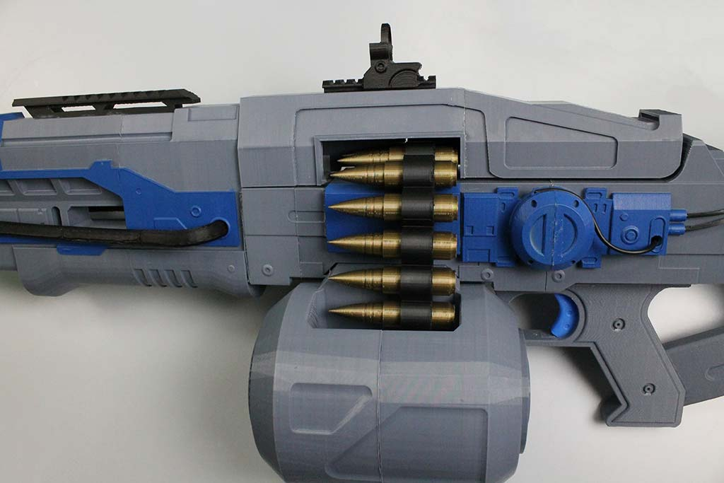 Someone 3D-printed the Thunderlord gun from Destiny
