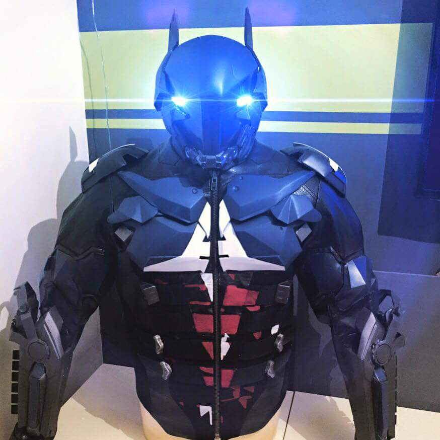 batman_suit_1