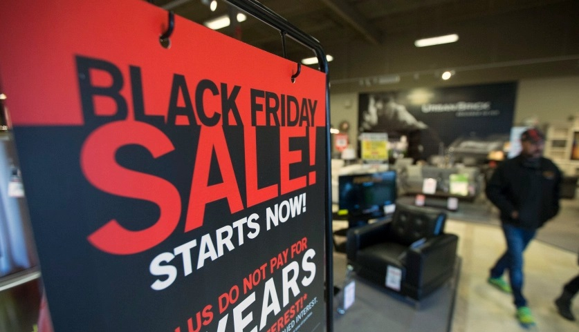 black_friday_sale_store