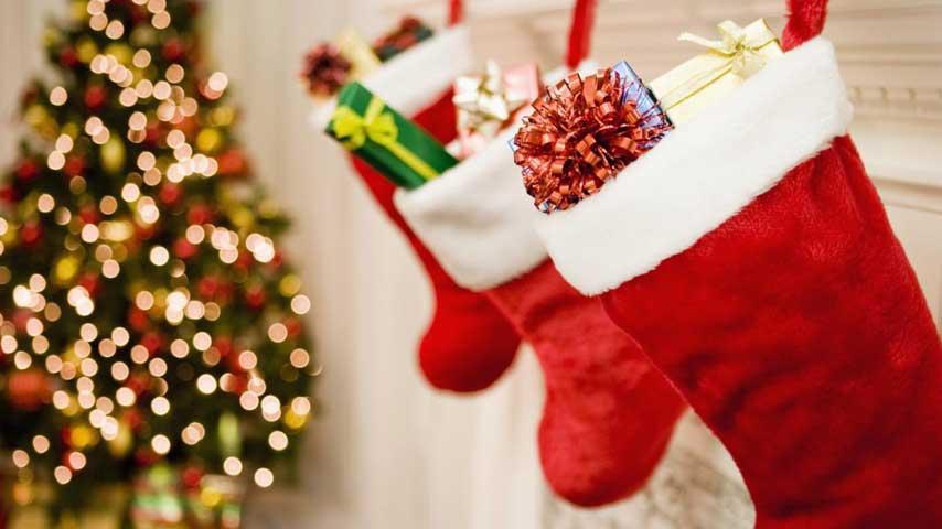 holida_wishlist_stockings