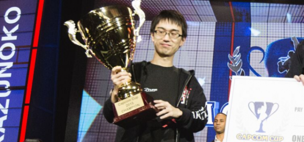 ryota_kazunoko_Inou_capcom_cup_2015_winner
