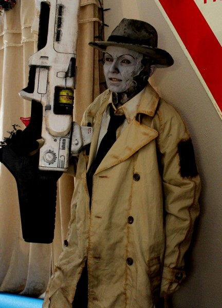 nick_valentine_cosplay_fallout4_1