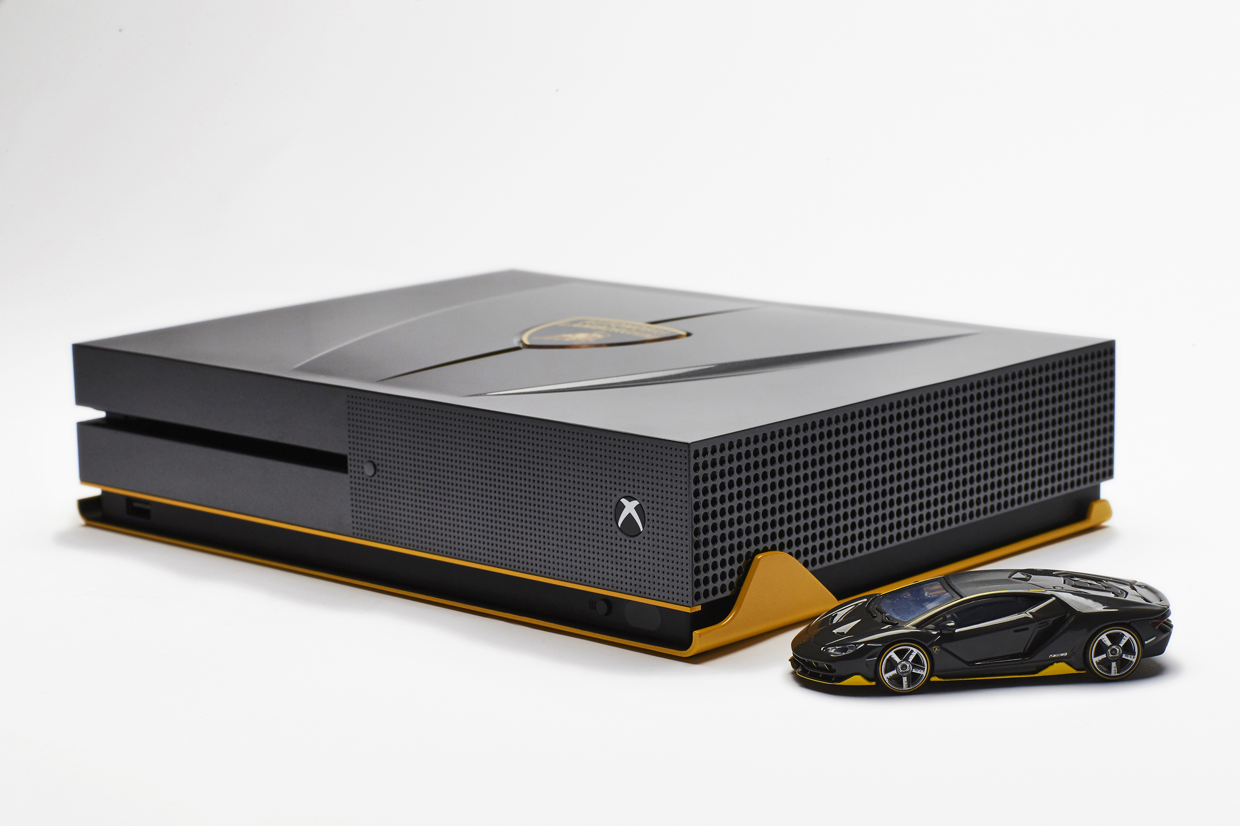 One Of A Kind Lamborghini Centenario Xbox One S Is Droolworthy Vg247