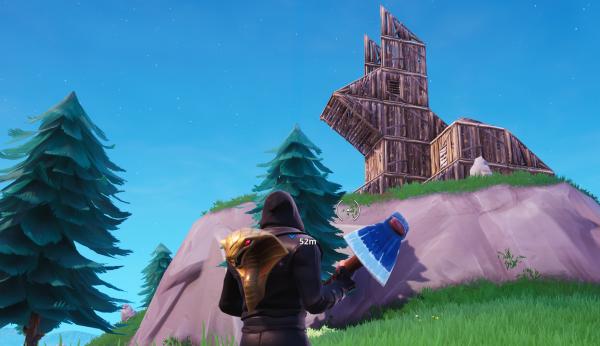 le cochon se trouve au bord de la carte a l est de lucky landing - fortnite lapin en bois cochon en pierre lama en metal