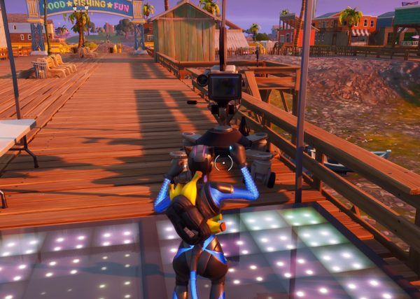 7 Camera To Dance In Front Of Fortnite Fortnite Chapter 2 Season 3 Dance On Camera At Sweaty Sands
