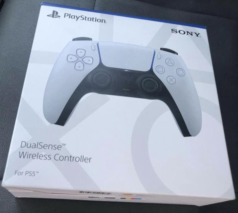 PS5 DualSense controllers are starting to appear in the wild thumbnail
