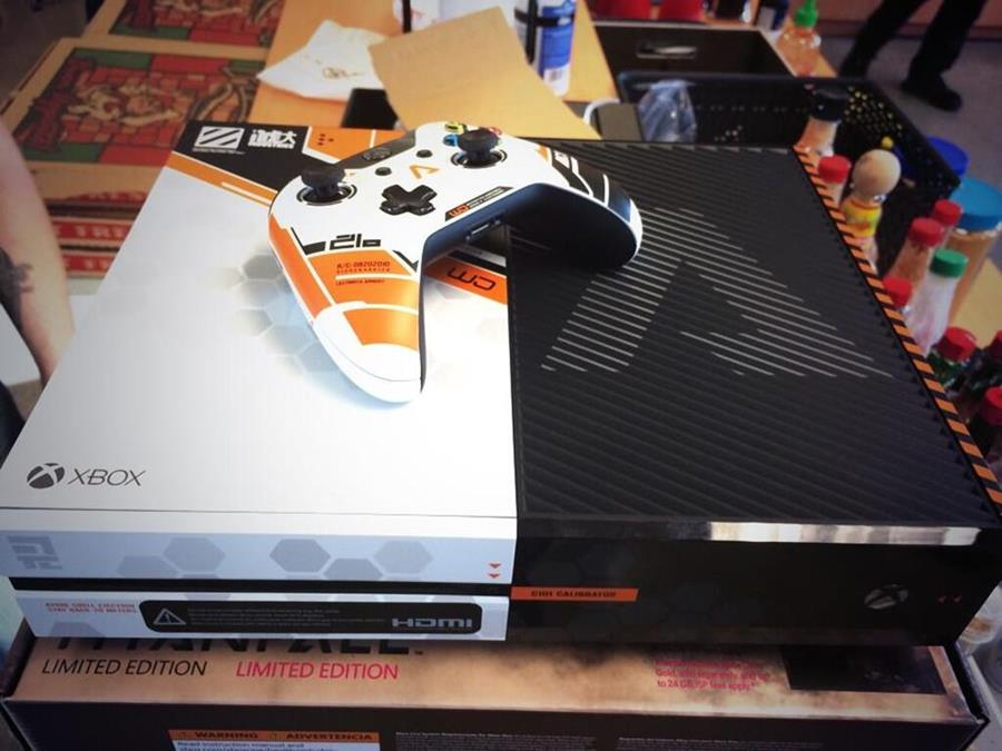 Titanfall: branded Xbox One consoles given to Respawn ...